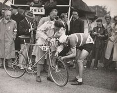 1948-Olympic-Games-CYCLING-ROAD-RACE-Original-Period-Photograph