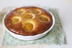 Творожный пирог с персиками и джемом - Чадейка