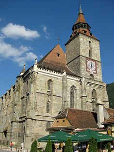 Biserica Neagră - The Black church in Brasov. Brasov Romania, Visit Romania, Black Church, Castle Ruins, Kirchen, Wonderful Places, Temples, Castles, Places To See