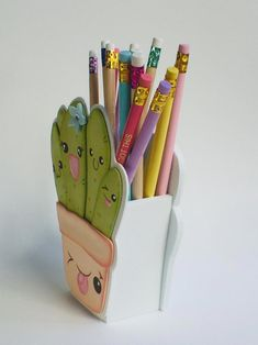 Diy Crafts For Girls, Cute Crafts, Diy For Kids, Diy And Crafts, Cactus Embroidery, Cute Polymer Clay, Unicorn Crafts, Diy Cardboard, Hand Art