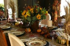 vignette design: A Traditional Thanksgiving Table