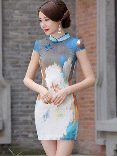 Oriental Dress, Oriental Fashion, Asian Fashion, Pretty Asian, Beautiful Asian Women, Chinese Gown, Chinese Dresses, Cheongsam, Asian Style