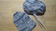 Elämää kutoen: Helppo pipo seitsemän veljestä langasta + ohje Headbands, Knitted Hats, Beanies, Knitting, Knit Hats, Head Bands, Tricot, Knit Caps, Breien