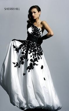 Prom dresses by designer Sherri Hill 4