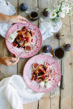 The Fluffiest Vegan Pancakes - feminine photo styling, food photography, blog photography style, rustic and elegant