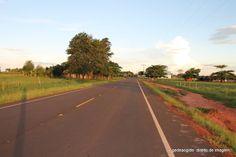 Jateí fica a aproximadamente 950 km de São Paulo.