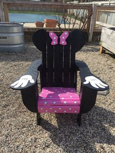 Minnie Mouse pallet Adirondack chair