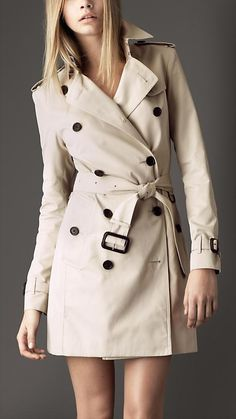 Burberry Short Garbadine Trench Coat