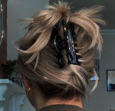 Hair Day, New Hair, Hair Inspo, Hair Inspiration, Aesthetic Hair, Dream Hair, Pretty Hairstyles, Medium Hair Hairstyles, Everyday Hairstyles