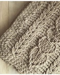 Handmade Baby Blankets, Knitted Baby Blankets, Baby Blanket Crochet, Finger Knitting Blankets, Knitting Yarn, Crotchet Patterns, Crochet Stitches, Crochet Cable, Yarn Brands