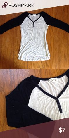 baseball tee very soft and lightweight. i recommend wearing a cami or nude bra underneath because it is a light fabric. has small pilling on the inside of the back but its hardly noticeable - worth mentioning though. just needs to be ironed and you're ready to wear! feel free to offer or ask questions!! Tops Tees - Long Sleeve