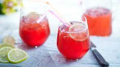 Розовый лимонад с клюквой