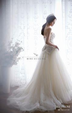 Korea Pre Wedding Photography / Mine Wedding Web)http://www.minewedding.com Tel) +82-2-415-3204 Email)Mine@mienwedding.com