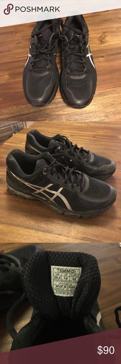 Women's Asics Black Gel-Kayano 22 Nearly new All Black Asics Gel-Kayano 22 in Women's Size US 10 / EURO 42. These have been worn under 10 times. Amazing shoe but ultimately didn't fit my extremely wide feet. They have many years of wear in store for the next lucky runner! Asics Shoes Athletic Shoes