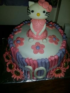 My hello kitty cake!