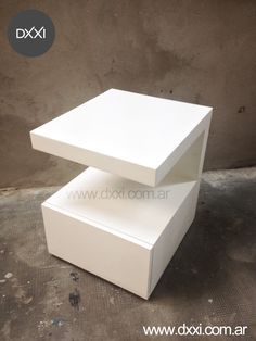 Mesa de luz modelo C. MDF laqueado blanco semi mate.  www.dxxi.com.ar Nightstand, Bedside Tables, Concrete Table, Master Room, Night Table, Mirror Door, Wood Crafts, Furniture Design, Projects To Try