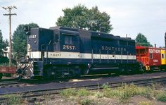 Pullman Train, Railroad History, Southern Railways, Norfolk Southern, Train Pictures, Ho Scale, Locomotive, Badass, Trains