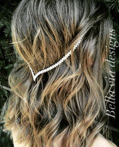 Minimalist, boho clip-in hair jewelry. This hair, head chain piece comes in two different base metal colors, gold or silver. One size fits all and clips into the sides. Please make note their are 3 clip colors to custom match to your hair color. Clips are hidden underneath your hair. NOTE: Hair Jewelry is light weight and comfortable to wear. This piece is ready to ship. How to get a 20% discount code for your order.... Pin 3 of our listings, simply email us a screenshot and we will send…