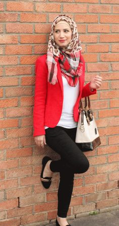 #Coral #blazer and printed #hijab scarf. A nice look for #hijabis