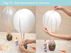 So machen Sie sich ganz einfach einen Heißluftballon. How to Make a Hot Air Balloon Centerpiece for a Wedding! See the DIY for aHot Air Balloon DIY Made by Bellenza. Hot Air Balloon Centerpieces, Diy Hot Air Balloons, Baby Shower Centerpieces, Balloon Decorations, Centerpiece Ideas, Hot Air Ballon Diy, Balloon Centerpieces Wedding, Travel Decorations, Cheap Baby Shower Decorations