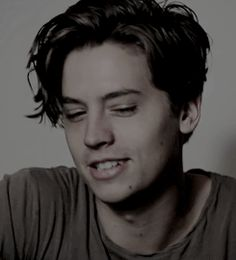 ♔ COLE SPROUSE GIF HUNT ♔ Under the cut, you will find small/medium, HQ gifs of Cole Sprouse. Cole M Sprouse, Cole Sprouse Jughead, Dylan Sprouse, Riverdale Memes, Riverdale Cast, Albus Severus Potter, Dylan Y Cole, Zack Y Cody, Cole Sprouse Wallpaper