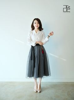 [Herald Interview] Capturing hanbok's beauty with modern elements - The Korea Herald Korean Fashion Tomboy, Modern Fashion Outfits, Asian Fashion, Look Fashion, Skirt Fashion, Fashion Styles, Traditional Fashion, Traditional Outfits, Korea Dress