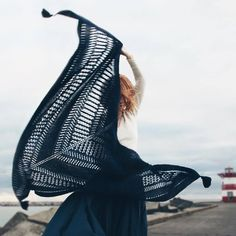 """branda: """"(vía Winter Is Coming Shawl knitting project by funky_knits Knitted Poncho, Knitted Shawls, Crochet Scarves, Crochet Shawl, Knit Crochet, Crochet Vests, Crochet Cape, Crochet Edgings, Crochet Motif"""