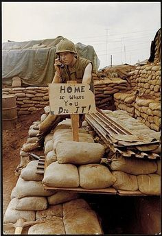 Home is where you dig it. (Rear bunkers in Vietnam) Vietnam History, Vietnam War Photos, North Vietnam, Vietnam Veterans, American War, American Soldiers, American History, War Photography, Cold War