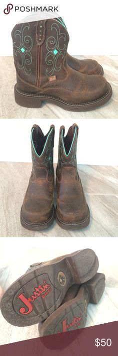 Justin boots Justin Boots! Excellent condition. Love them -but they are just a bit big for me Justin Shoes Ankle Boots & Booties