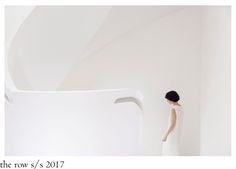 The Row sister duo presented their S/S 2017 collection at the brand´s East 71 st Street townhouse with models going up and down the mar. Minimalism, Women Wear, How To Wear