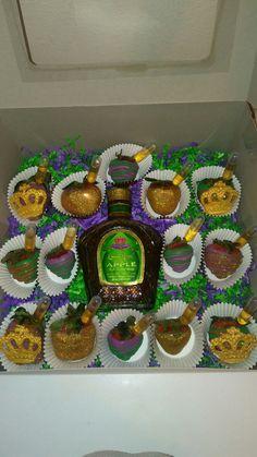 Alcohol Cake, Alcohol Drink Recipes, Valentines Breakfast, Valentine Desserts, Crown Royal Cake, Royal Cupcakes, Crown Apple, Liquor Cake, Apple Birthday