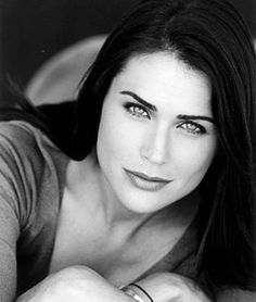 Rena Soder as Quinn Fuller Beautiful Celebrities, Beautiful Actresses, Gorgeous Women, Bold And The Beautiful, Beautiful People, Rena Sofer, Female Character Inspiration, Popular People, Black And White Portraits