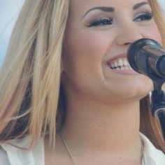 Demi Lovato's smile is perfect
