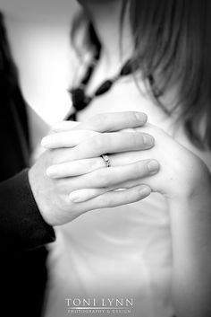 Great ring shot: Engagement pictures