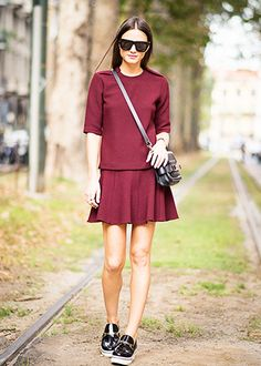 17 Easy Fall Outfits You Can Wear From Day to Night --   street style, casual, burgundy skater skirt, black cross body bag, burgundy top