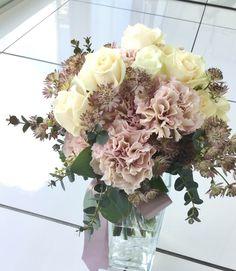 #yokohamamonolith#novarese#vressetrose#wedding #pink #smokypink #round #bouquet #clutchbouquet #natural #Flower #Bridal#横浜モノリス#ノバレーゼ#ブレスエットロゼ #ウエディング#ピンク #スモーキーピンク #シンプル #ブーケ #クラッチブーケ # ナチュラル# 花#カーネーション#ナチュラル #ブライダル#結婚式#ブレスエットロゼ横浜