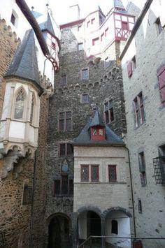 The Inside of Eltz Castle | ... , from Koblenz, Germany ... Courtyard inside the Burg Eltz Castle... @ivannairem