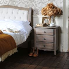 Camille Limewash Oak Set of 2 Bedsides - The Cotswold Company Shabby Chic Bedroom Furniture, Oak Bedroom, Bedroom Furniture Design, Master Bedroom, Dream Bedroom, Bedroom Ideas, Modern Furniture Sets, Wooden Furniture, Mattress Sets