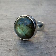 Designs McFarland - Jóias Ética Usando pedras de comércio justo e metal reciclado: Anéis Mais labradorita!
