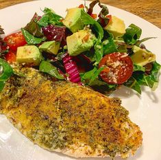 "Naomi Tae on Instagram: ""#15minutemeals anyone? Here's another one with #snapper and colourful #salad RECIPE NEXT PIC #nutritionalketo #lowcarb…"" 15 Minute Meals, Another One, Vegetable Pizza, Low Carb Recipes, Keto, Nutrition, Salad, Vegetables, Color"
