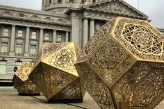 Interview with Yelena Filipchuk of HYBYCOZO who discusses their large-scale laser-cut geometric light installations and the evolution of their work, which went viral at Burning Man. Yoga Studio Design, Abstract Sculpture, Sculpture Art, Metal Sculptures, Lampe Metal, Artistic Installation, Land Art, Light Art, Public Art