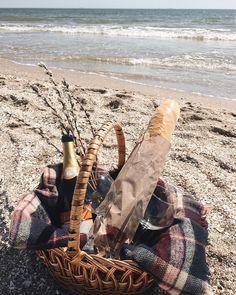Собраться и поехать на пикник на море? Легко! Весна, ты радуешь, хоть и долго же к нам шла.. Вслед за солнечными лучами все резко…