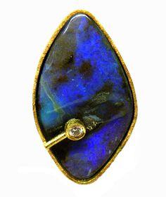 Penjoll opal australià boulder tons lila amb brillant i or groc