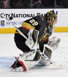 LAS VEGAS, NV - JANUARY 02: Marc-Andre Fleury #29 of the Vegas Golden Knights defelcts a Nashville Predators shot in the first period of their game at T-Mobile Arena on January 2, 2018 in Las Vegas, Nevada. The Golden Knights won 3-0. (Photo by Ethan Miller/Getty Images)