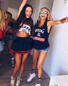 cel bff pictures, friend pictures i best friends Go Best Friend, Best Friend Goals, Best Friends Forever, Bff Pictures, Best Friend Pictures, Friend Photos, College Parties, College Girls, Sport Photography