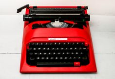 Be still my heart....I love old typewriters.