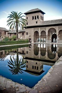 Jardines del Partal,  La Alhambra, Granada, España.