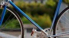 Heritage-Paris H-008 Photo: C-reel #bicycle #frame #heritageparis #bespoke #photography #heritage #blue #singlespeed#fixedgear #fixie #pignonfixe #luxe #luxury #H008 #velo #atelier #steel #madeinfrance #creel #handmade #unique #handcrafted #chrome