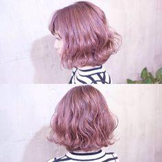 #まなみcolor . グラデーション×ピンクヴェールラベンダー . ピンクにちょっぴりラベンダーを混ぜて、ピンク過ぎない透明感のある可愛らしいカラーです . ご予約は随時お受けしておりますので、気軽にお声掛けください . #SHACHU #hair #color #pink #bob #wave #ハイトーン #グラデーション #ヘアカラー #ピンクヴェール