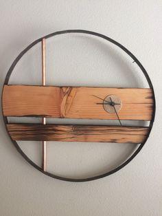 Rustic Modern Barn Wood Clock 23 von PenneCarter auf Etsy
